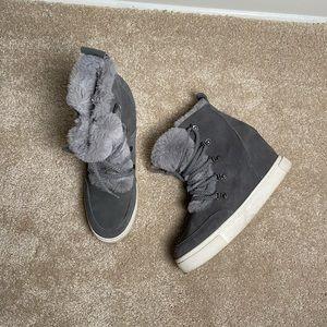 Steve Madden Faux Fur Grey Wedge Sneaker Size 10